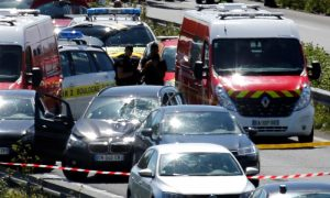 Car Rams Into Soldiers in Paris Suburb, Man Arrested