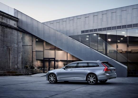 Volvo V90 (Volvo Canada)