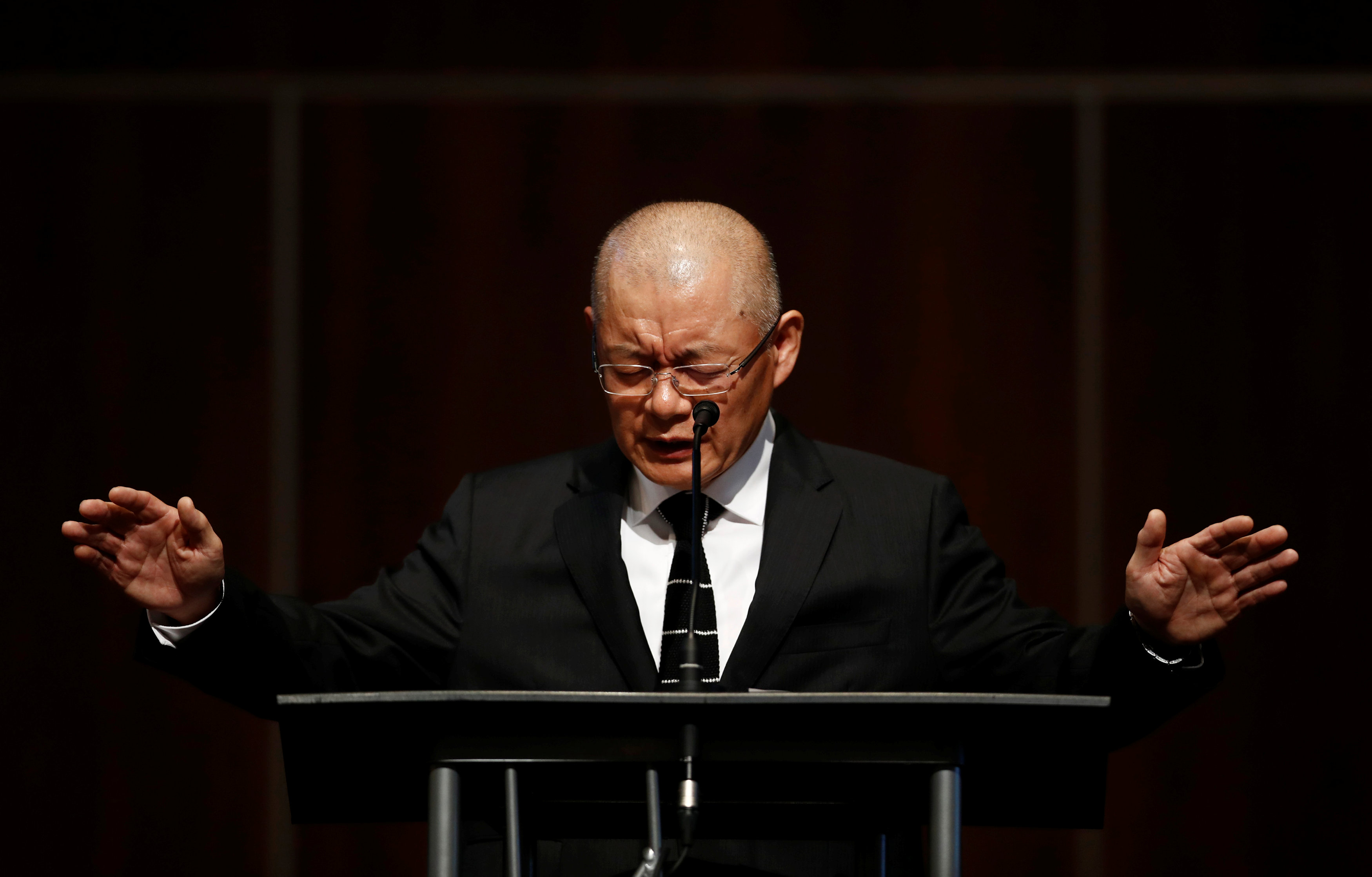 Pastor Hyeon Soo Lim, who returned to Canada from North Korea after the DPRK released Lim on August 9, after being held for 31 months, offers benediction at the Light Presbyterian Church in Mississauga, Ontario, Canada on August 13, 2017. (REUTERS/Mark Blinch)