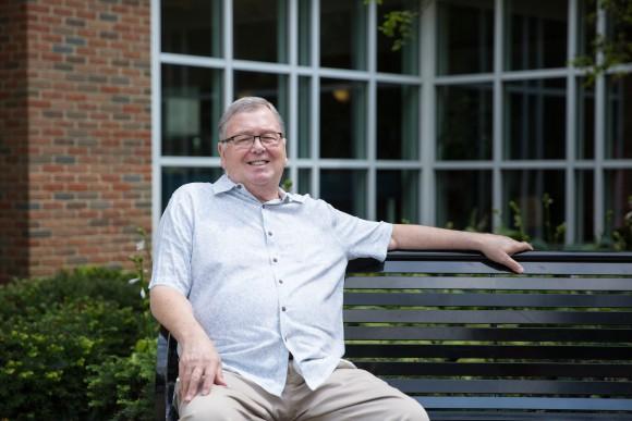 Steve Miller, 74, outside the Worthington Library in Columbus, Ohio, on Aug. 1. (Benjamin Chasteen/The Epoch Times)