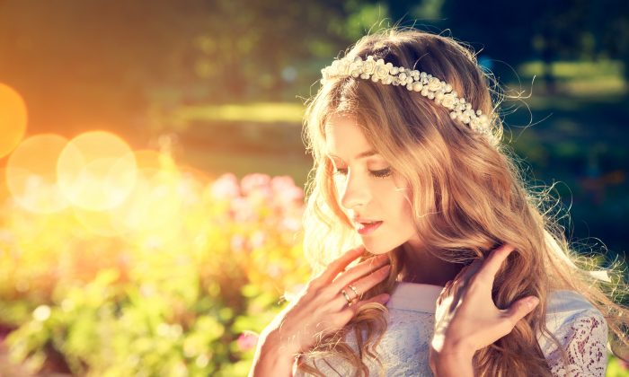 Choosing the perfect hair for your wedding day is exciting and often overwhelming (iStock)