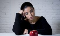 University Students Prone to Developing Eating Disorders, Researcher Says