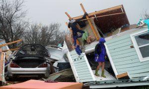 Local Texas Mayor Confirms First Death in Hurricane Harvey
