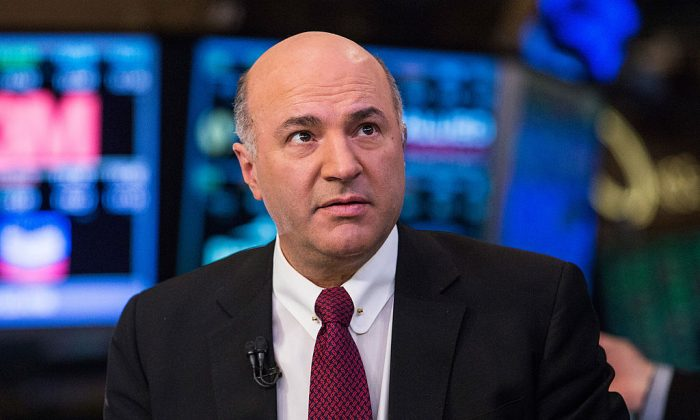 """Kevin O'Leary, an investor on the television show """"Shark Tank"""" is seen on the floor of the New York Stock Exchange on the afternoon of March 4, 2014 in New York City.  (Andrew Burton/Getty Images)"""