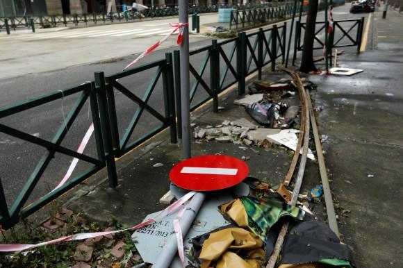A fallen sign is seen as Tropical storm Pakhar hits Macau, China August 27, 2017. (Reuters/Tyrone Siu)