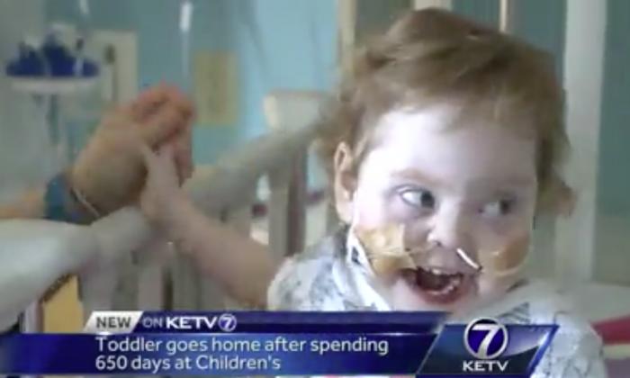 Naomi Hawks at the Children's Hospital and Medical Center in Omaha. (Screenshot via KETV)