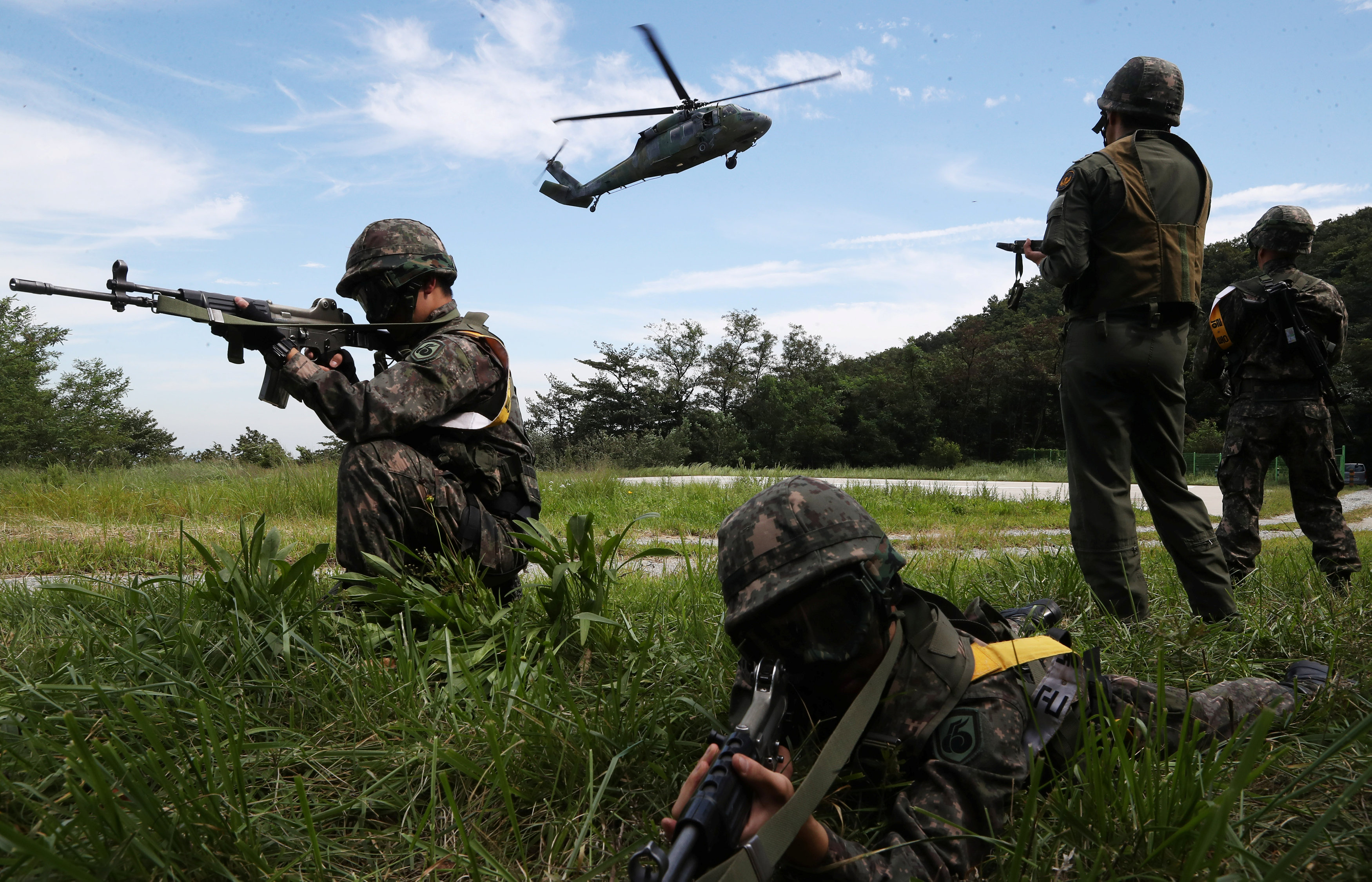 South Korean soldiers take part in a military drill which held as a part of the Ulchi Freedom Guardian exercise in Yongin, South Korea on Aug. 29, 2017. (Hong Ki-Won/Yonhap/via REUTERS)
