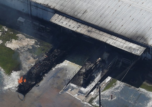 A fire burns at the flooded plant of French chemical maker Arkema SA in Crosby, Texas, U.S. August 31, 2017. (REUTERS/Adrees Latif)