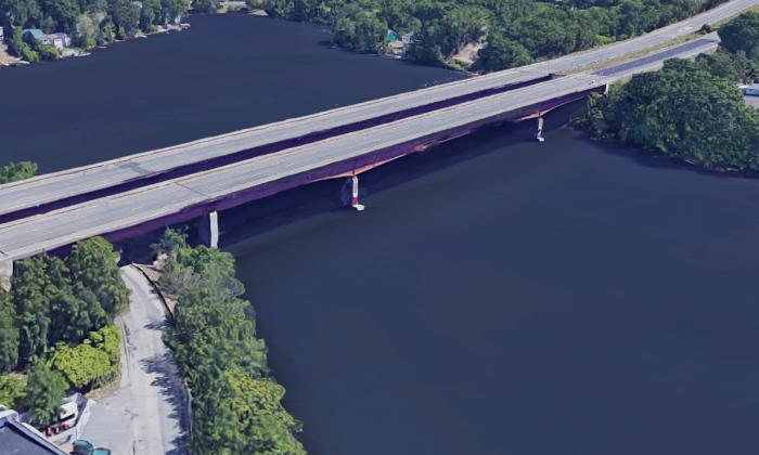 The I-290 highway bridge over Lake Quinsigamond (Google Maps)
