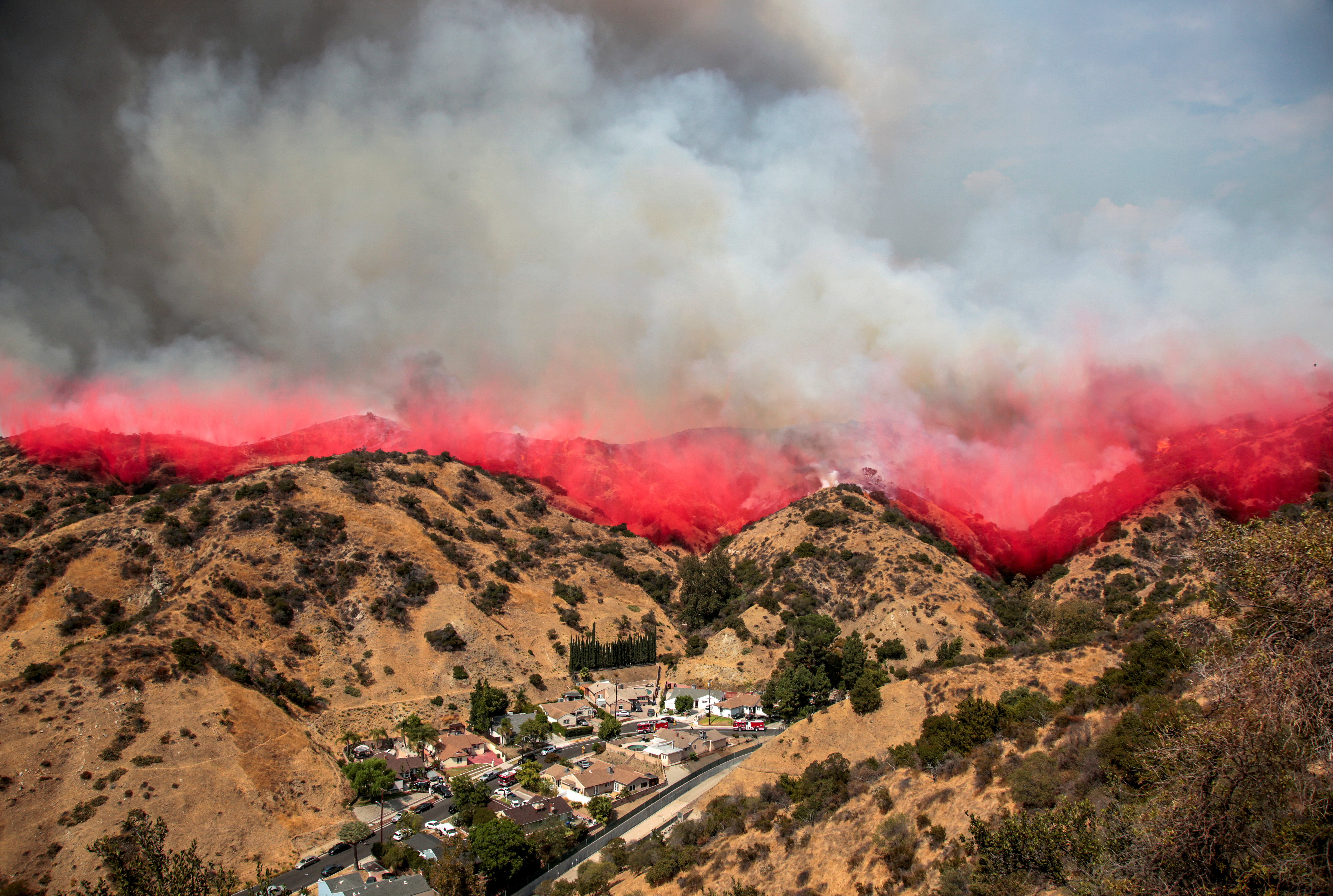The La Tuna Canyon fire over Burbank. (REUTERS/ Kyle Grillot)