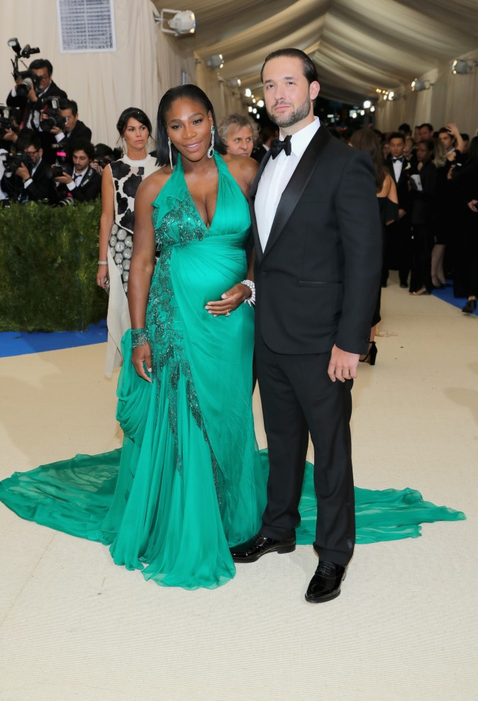 """Serena Williams (L) and Alexis Ohanian attend the """"Rei Kawakubo/Comme des Garcons: Art Of The In-Between"""" Costume Institute Gala at Metropolitan Museum of Art on May 1, 2017 in New York City.  (Photo by Neilson Barnard/Getty Images)"""