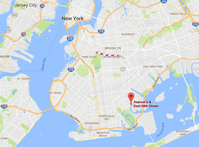 An approximate location where a body wrapped in tarp and a cinder block tied to its legs was found in Brooklyn on Sept. 2, 2017. (Screenshot via Google Maps)