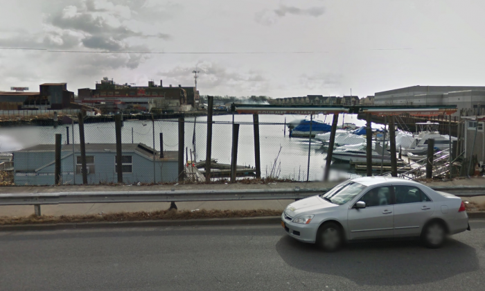 The area where a body wrapped in tarp and a cinder block tied to its legs was found in Brooklyn on Sept. 2, 2017. (Screenshot via Google Maps)