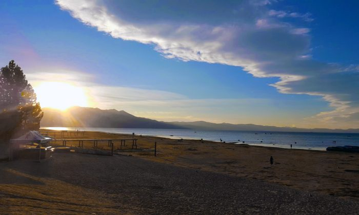 Fall sunset at Lakeview Commons in South Lake Tahoe. (A. Muir Ellsmore/Epoch Times)
