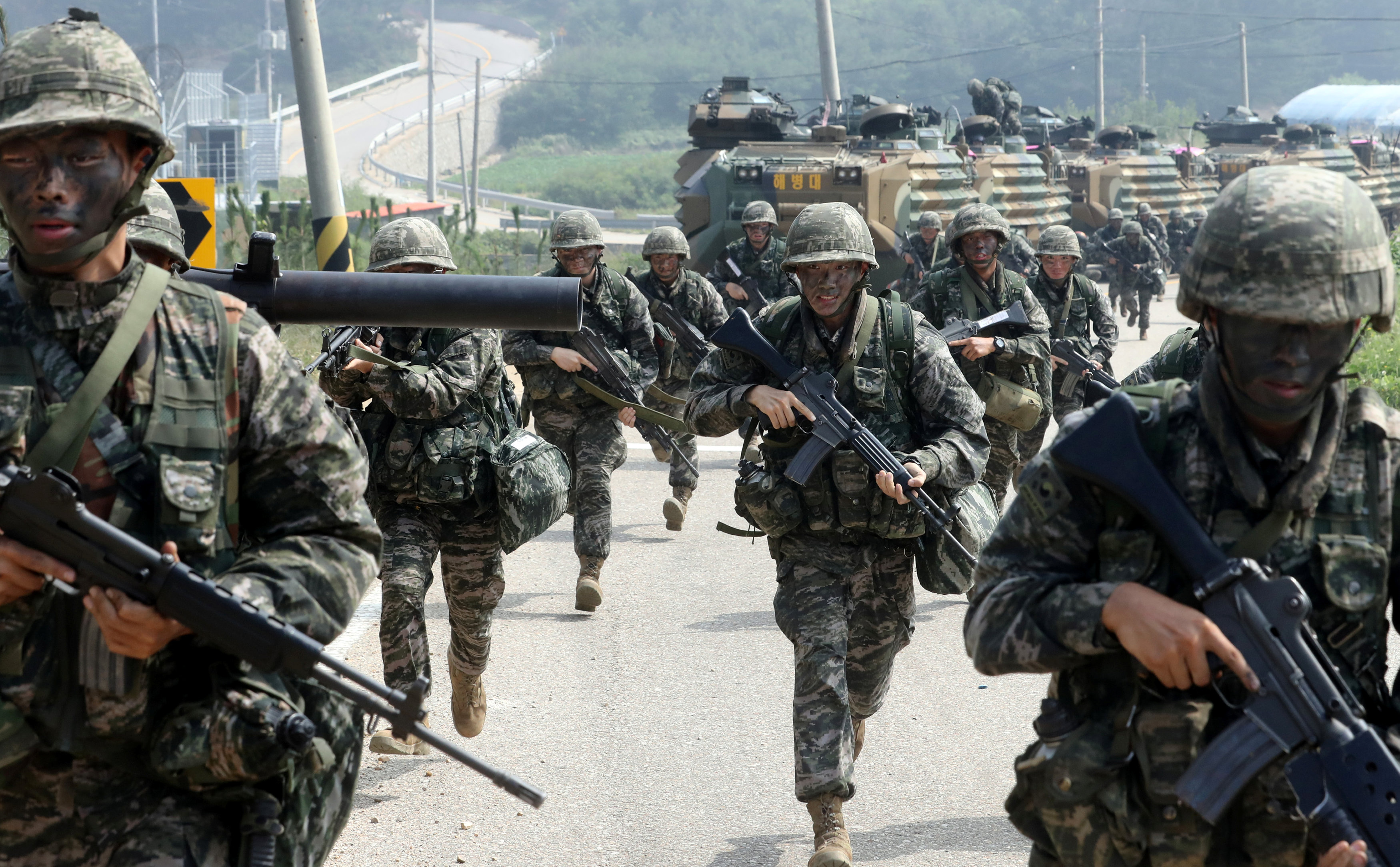 South Korean marines take part in a military exercise on South Korea's Baengnyeong Island, near the disputed sea border with the north on Sept. 7, 2017. (Choi Jae-gu/Yonhap via REUTERS)