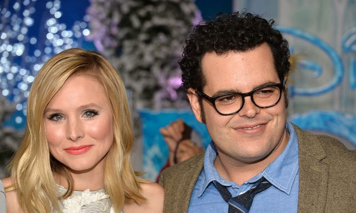 """Actors Kristen Bell and Josh Gad attend the premiere of Walt Disney Animation Studios' """"Frozen""""at the El Capitan Theatre on November 19, 2013 in Hollywood, California.  (Frazer Harrison/Getty Images)"""