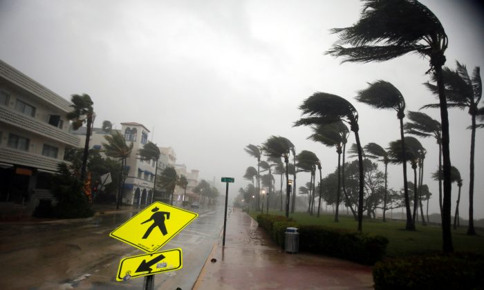 Heavy wind is seen along Ocean Drive in South Beach as Hurricane Irma arrives at south Florida, in Miami Beach, Florida, U.S., September 10, 2017. (Reuters/Carlos Barria)