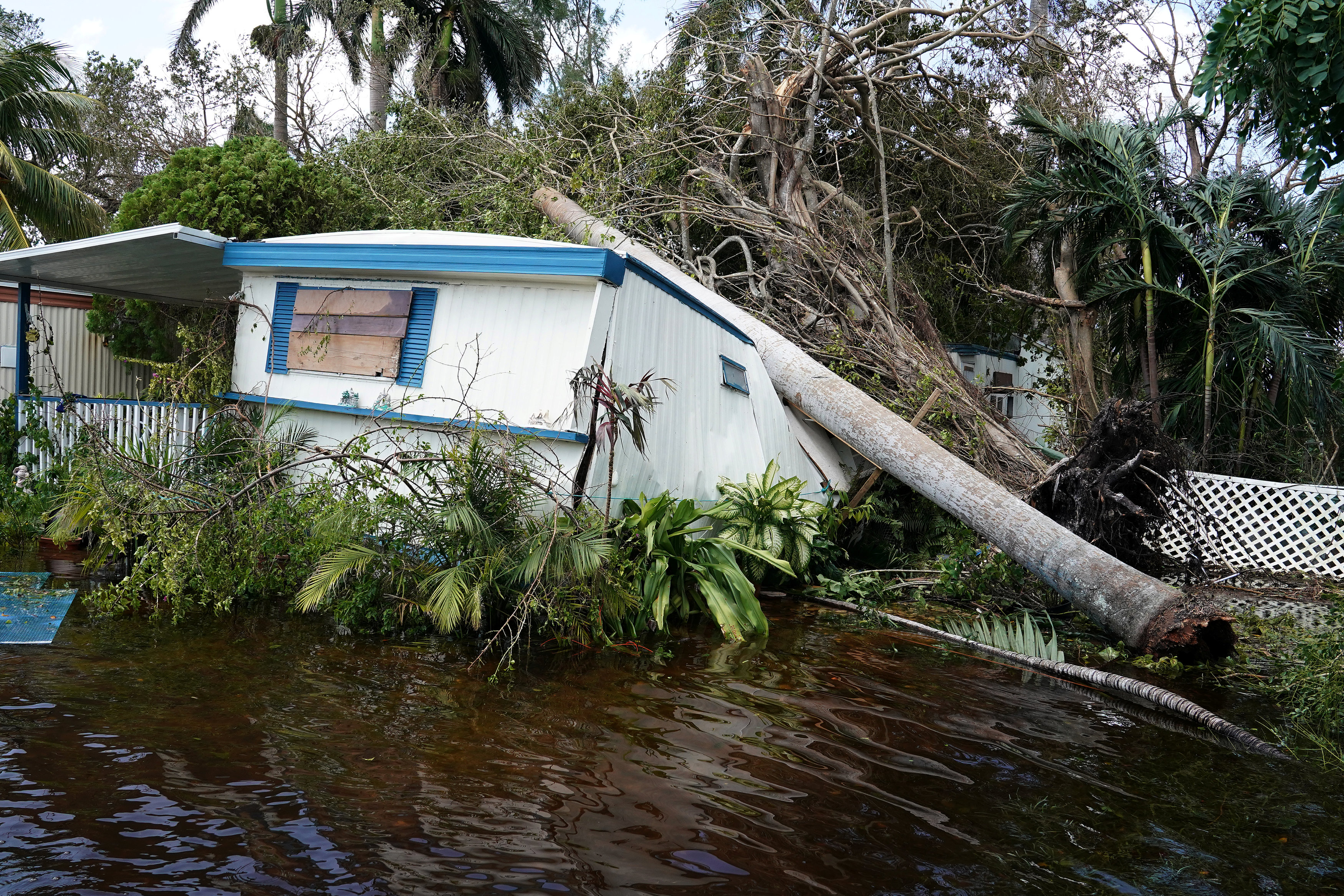 A trailer in a trailer park is pictured following Hurricane Irma in Key Biscayne, Florida on Sept. 11, 2017. (REUTERS/Carlo Allegri)