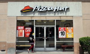 Florida Pizza Hut Manager Tries to Force Employees to Work Dangerously Close to Hurricane Irma