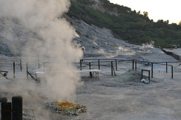 "The Solfatara Crater in Pozzuoli, Italy on Oct. 14, 2013. (""Solfatara crater"" by Alexander van Loon/Flickr II CC BY-SA 2.0)"