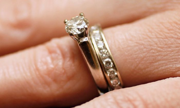 Diamond engagement ring.  (Photo by Joe Raedle/Getty Images)
