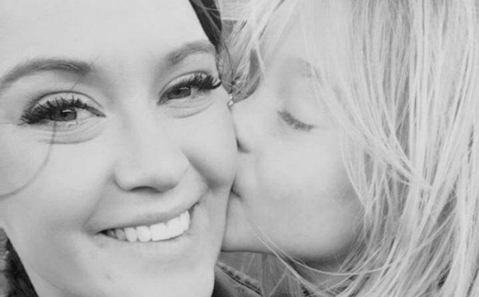Alyssa Pfannenstein and her daughter.