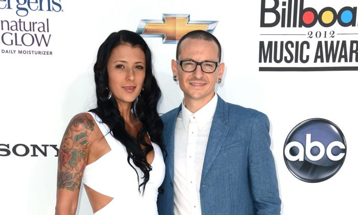 Chester Bennington of Linkin Park (R) and wife Talinda Ann Bentley at the 2012 Billboard Music Awards in Las Vegas, Nevada on May 20, 2012. (Frazer Harrison/Getty Images for ABC)