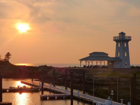 Lighthouse at Fox Harb'r. (Manos Angelakis)
