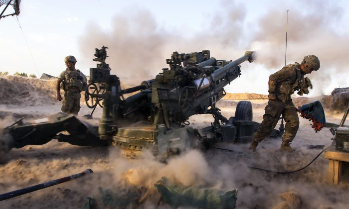 Paratroopers engage ISIS terrorists with precise and strategically placed artillery fire in support of Iraqi and Peshmerga fighters in Mosul, Iraq, on July 6, 2017. (Army photo by Sgt. Christopher Bigelow)