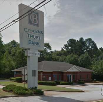 The van was parked in front of this Citizens Trust Bank at 2592 South Hairston Road, Decatur, Georgia, when it was robbed in the early morning of Sept 8. (Screenshot via Google Maps)