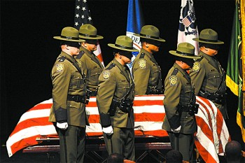 Memorial service for Border Patrol agent Robert Rosas, who was killed in the line of duty, in El Centro, Calif., on July 31, 2009.(DAVID MCNEW/GETTY IMAGES)