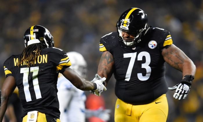Ramon Foster is #73. (Joe Sargent/Getty Images)