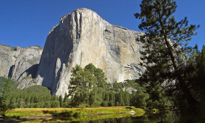An apartment-sized slab of granite broke off from El Capitan in Yosemite National Park, killing one and injuring another on Sept. 27, 2017. (PDPhotos/Pixabay)