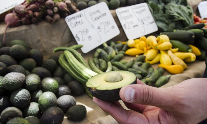 Avocados at the Vista farmers market in Vista, Calif., on July 29, 2017. (Joshua Philipp/The Epoch Times)