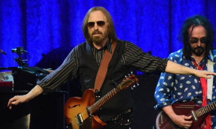 Tom Petty of Tom Petty and the Heartbreakers perform during their 40th Anniversary Tour at Bridgestone Arena in Nashville, Tenn., on April 25, 2017 .  (Photo by Rick Diamond/Getty Images for Sacks and Co)