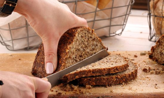 Eat Whole Grains and Less Meat to Avoid Colon Cancer: Study