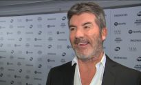 Simon Cowell Talks Hollywood Sexual Misconduct Scandals at Award Show