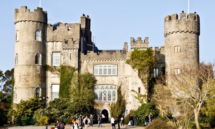 Malahide Castle, built in 1185 by King Henry II of England for his friend Sir Richard Talbot. (William Murphy/Wikimedia Commons)