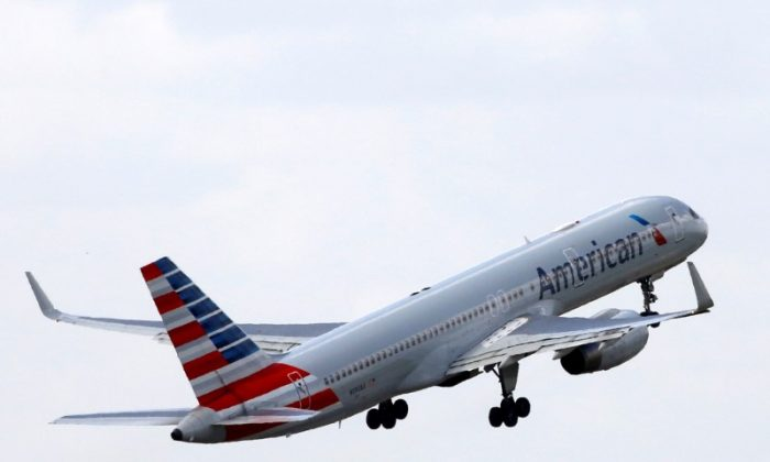 An American Airlines Boeing 757 aircraft takes off at the Charles de Gaulle airport in Roissy, France, August 9, 2016. (Reuters/Jacky Naegelen/File Photo)