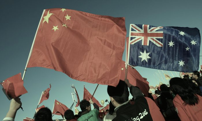 China supporters rallying outside Australia's Parliament House during the Beijing 2008 Olympic torch relay in Canberra on April 24, 2008. (Torsten Blackwood/AFP/Getty Images)