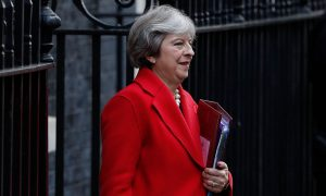 May Heads for Brussels as Last-Minute Brexit Talks Go On
