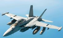 US Navy Carries Out Test Flight of Jets Adapted for Autonomy