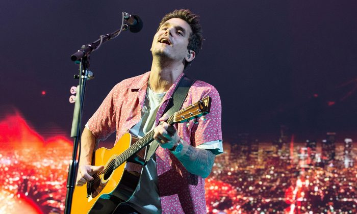 Singer, songwriter and guitarist John Mayer performs on his The Search for Everything World Tour at the AT&T Center on Aug. 3, 2017 in San Antonio, Texas. (Suzanne Cordeiro/AFP/Getty Images)