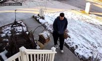 Christmas Package Thief Caught on Camera