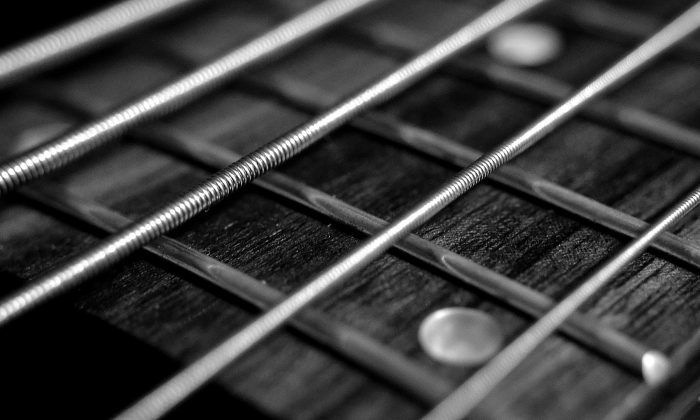 Join us in reminiscing about the lives of star musicians that passed away in 2017. (Stock photo CC0)