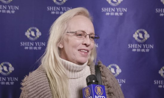 Retired Company Owner Sees Her Own Reincarnation in Shen Yun