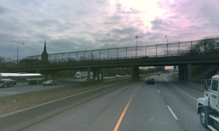 This overpass—Indiana Avenue over the southbound lane of I-75 in Toledo—was the site of the lethal assault. (Screenshot—Bing Maps)