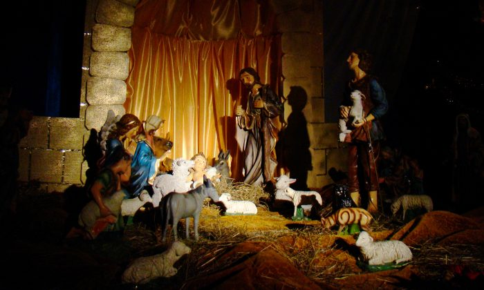 An outdoor nativity scene. (Silar/Wikimedia Commons)