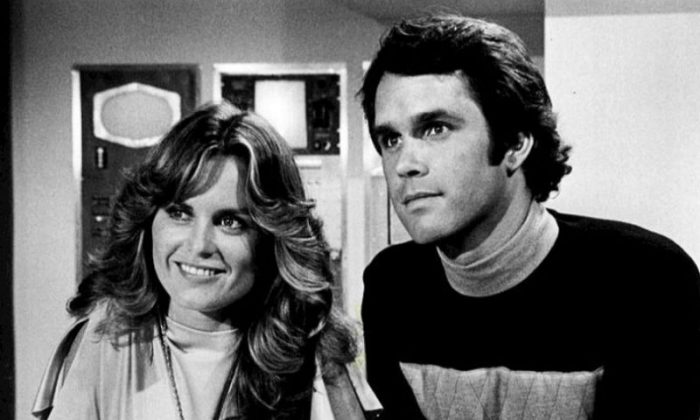 """Heather Menzies as Jessica 6 and Gregory Harrison as Logan 5 on """"Logan's Run."""" (Public Domain)"""