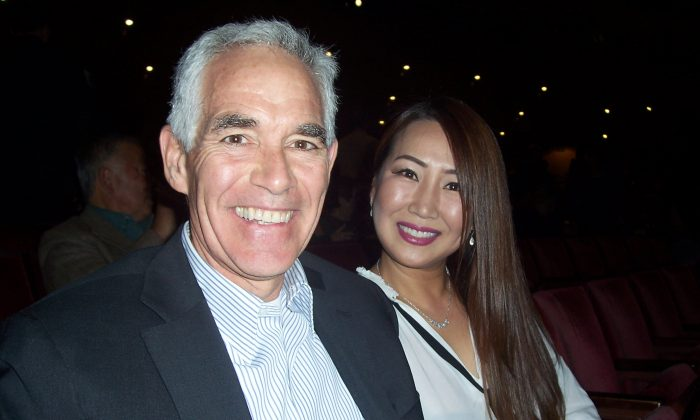 Casino President Admires Graceful Shen Yun Performers